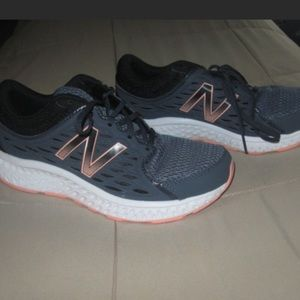 New Balance Women's Running shoes gray and peach